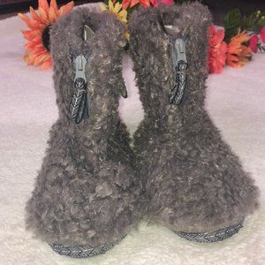 NWT FAUX POODLE SHEEP FUR ankle bootie slippers